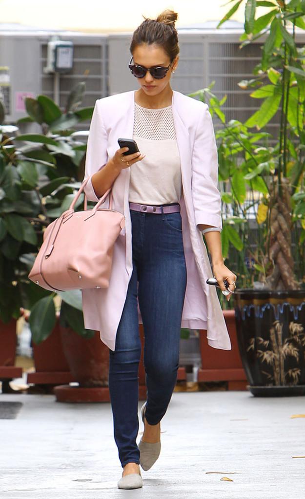 jessica-alba-3x1-skinny-jeans-lilac-coat