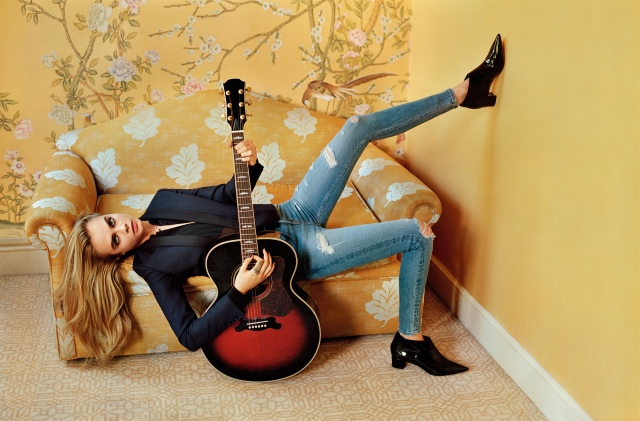 topshop-jeans-aw15-campaign-cara-delevingne-4