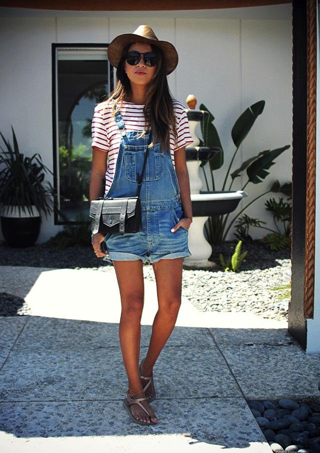 denim-overalls-short-blogger