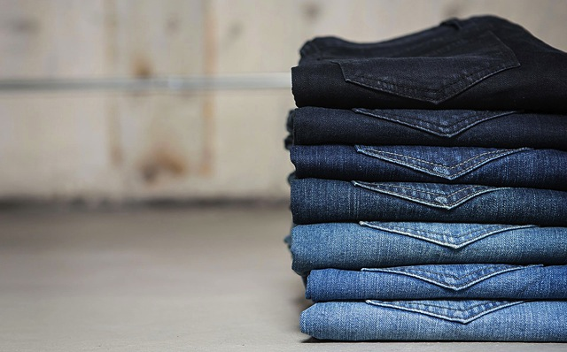 pile-stack-of-jeans