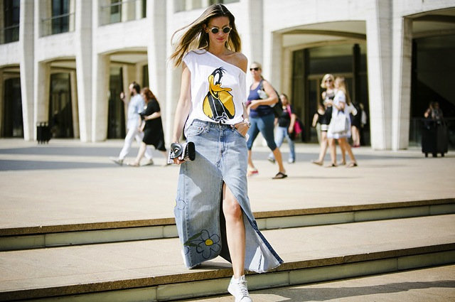 denim-skirt-street-style