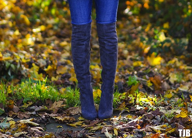 how-tuck-your-jeans-into-boots