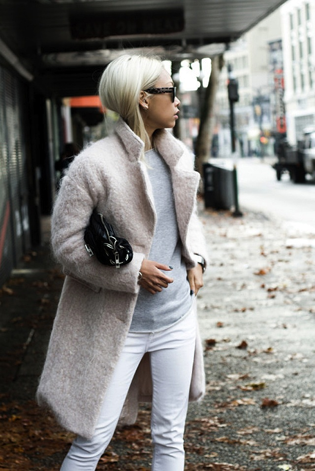 How To Wear White Jeans in Fall &amp Winter | The Jeans Blog