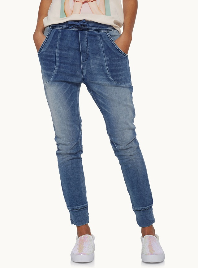 6 Classic Women&39s Jeans For Spring 2016 | The Jeans Blog