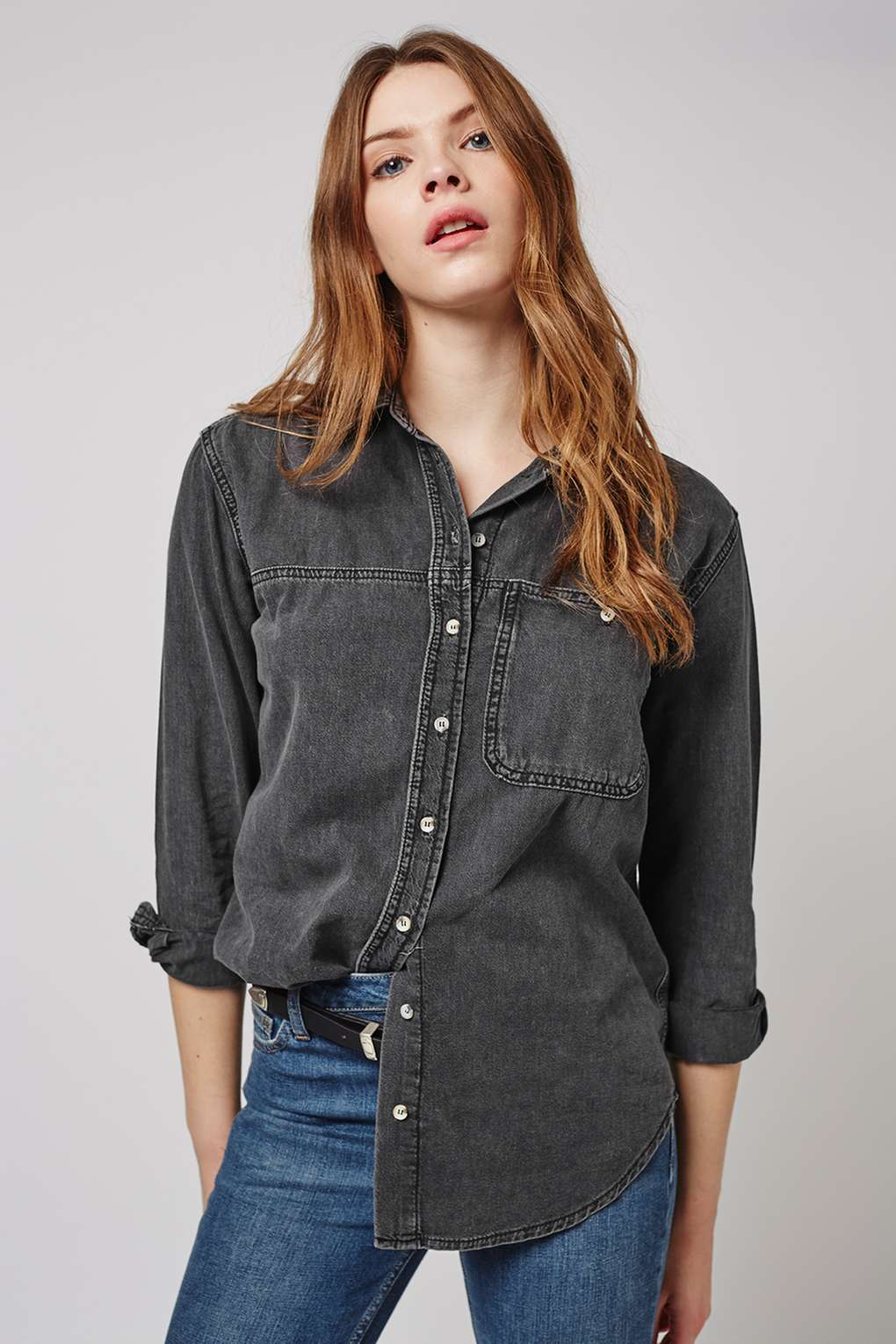 10 cool denim shirts for spring summer 2016 the jeans blog for Womens denim shirts topshop