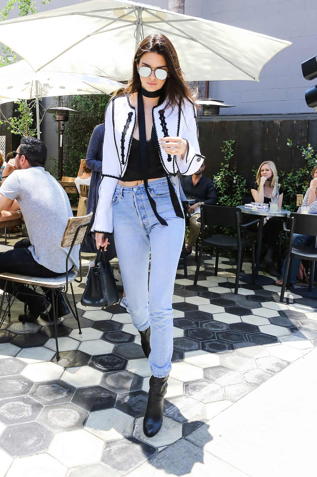 Kendall-Jenner-REDONE-Levi's-Vintage-Jeans
