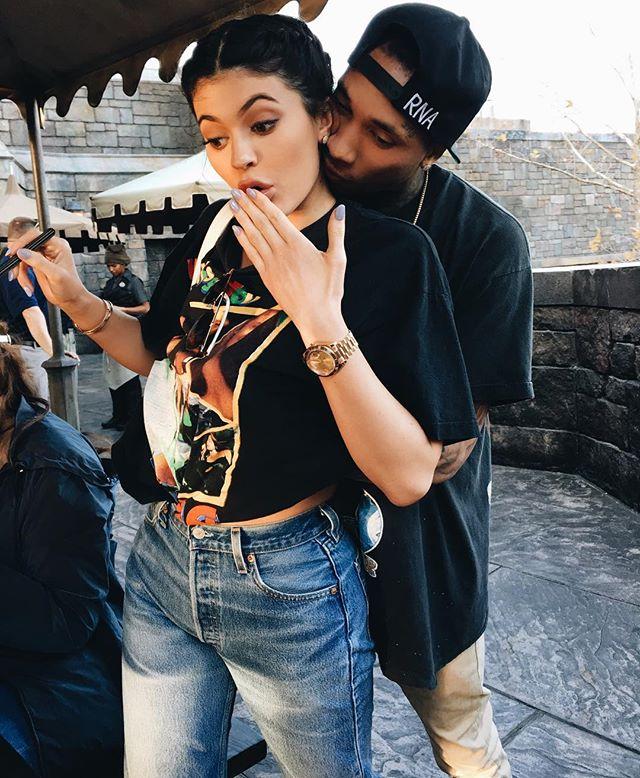 Kylie Jenner Wears Vintage Levi's Denim On Instagram 8
