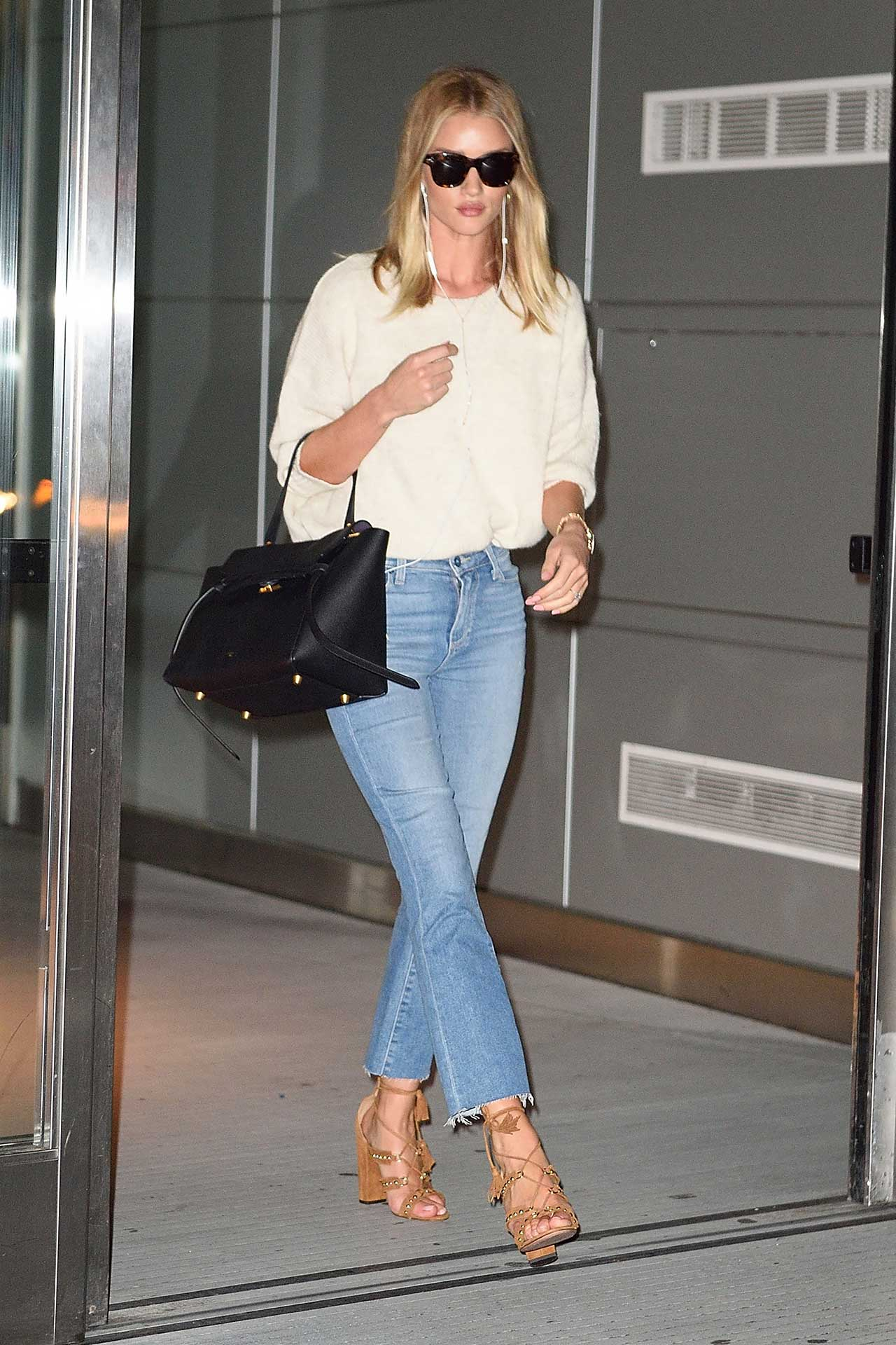 Rosie-Huntington-Whiteley-Paige-Colette-Crop-Jeans