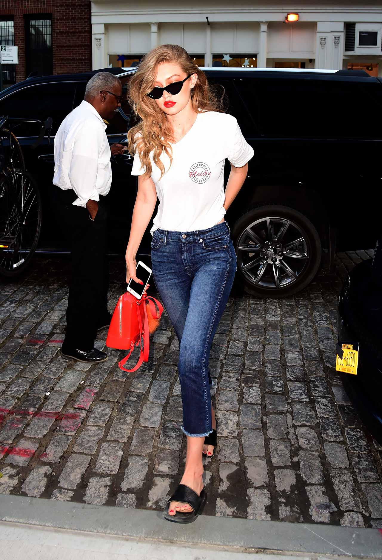 Gigi Hadid Wears 7 For All Mankind Raw Hem Crop Jeans | The Jeans Blog