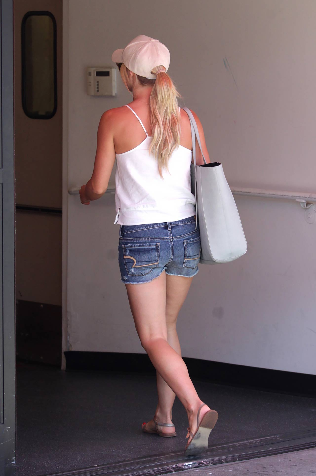julianne-hough-american-eagle-denim-shorts
