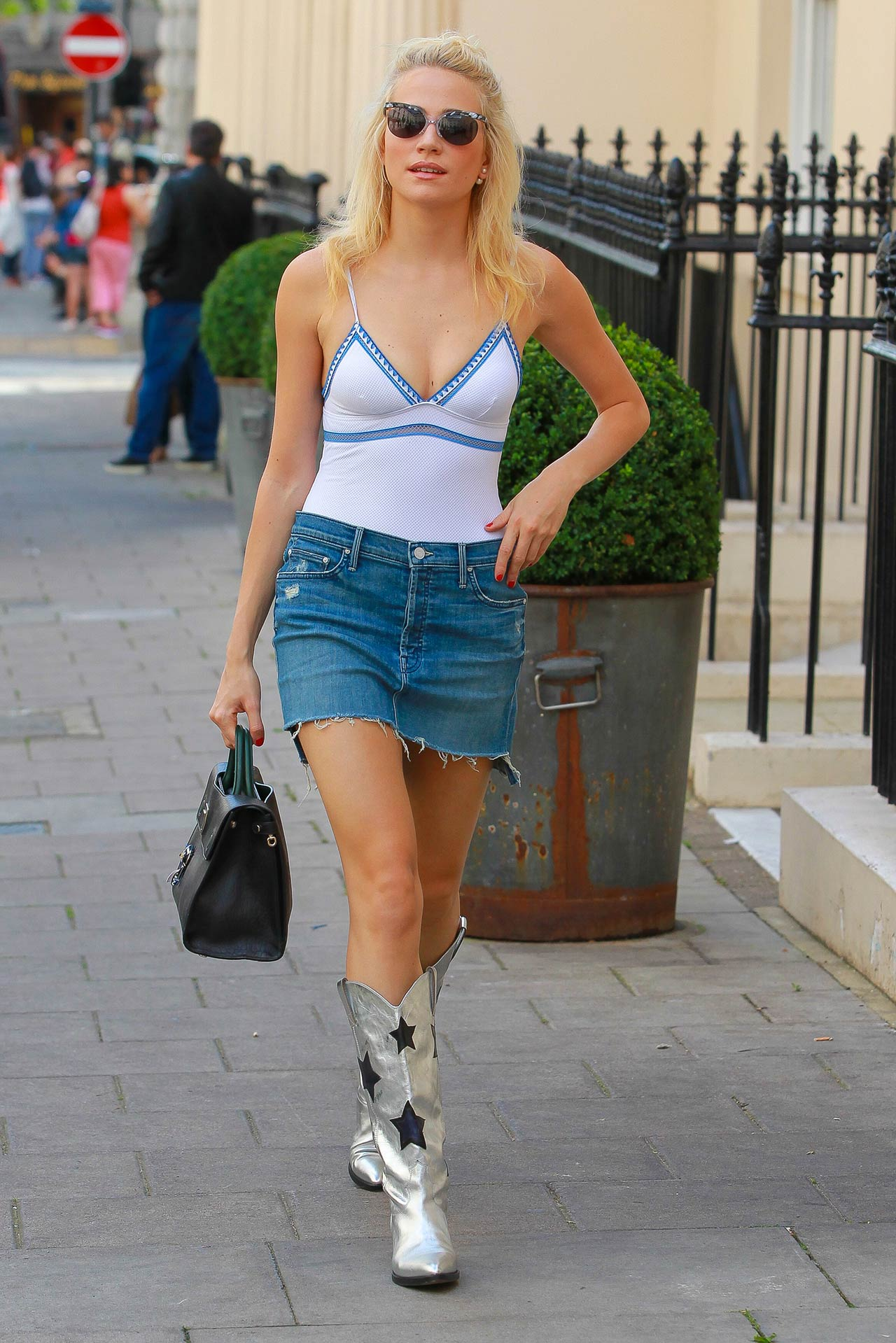 pixie-lott-mother-denim-skirt