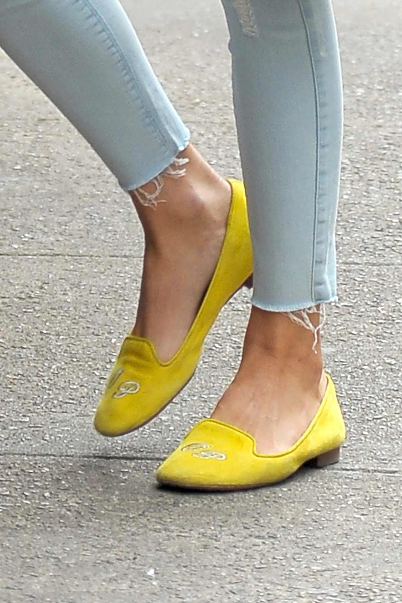 olivia-palermo-black-orchid-jeans-3
