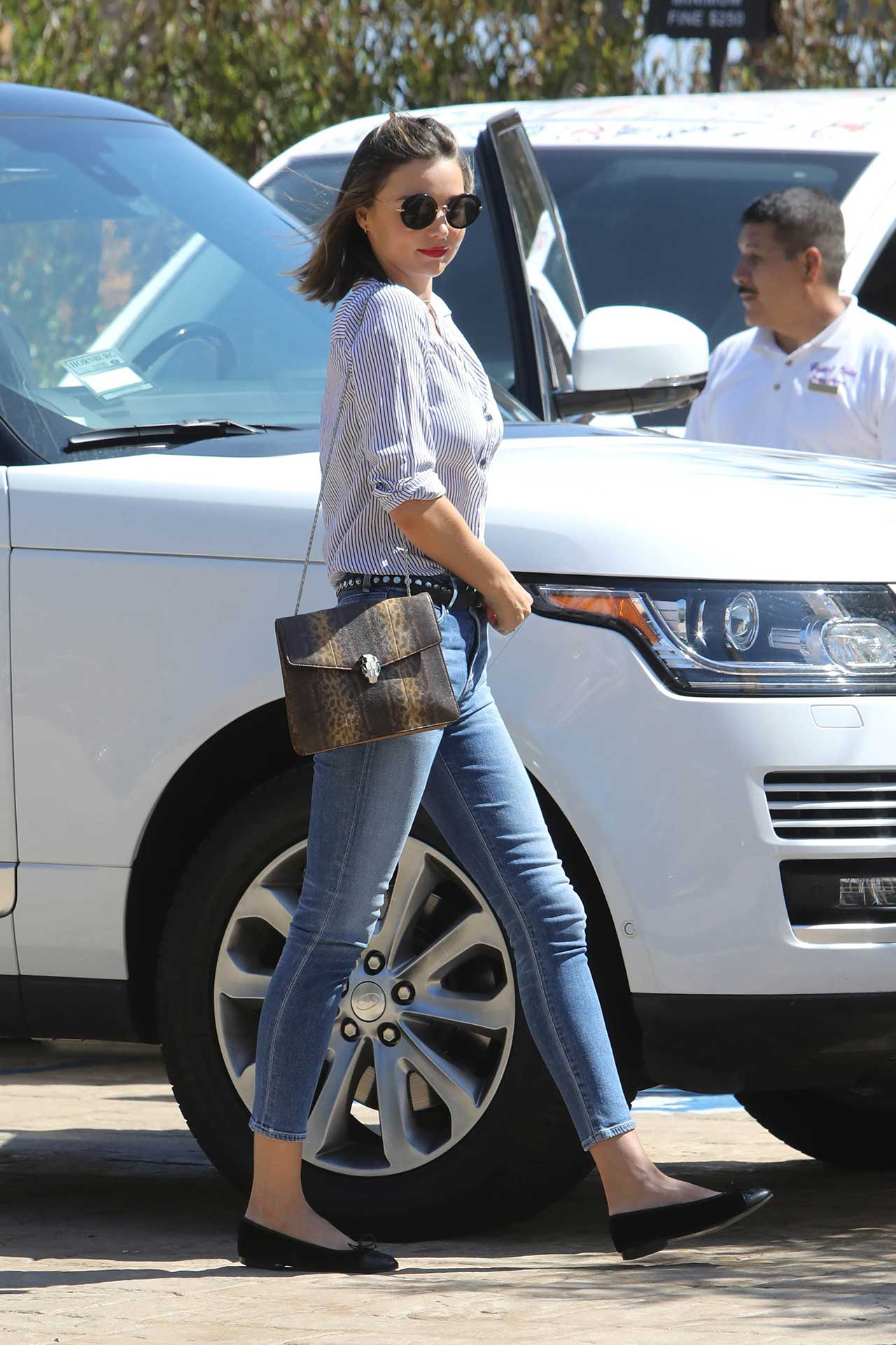 miranda-kerr-wears-citizens-of-humanity-carlie-crop-jeans-2