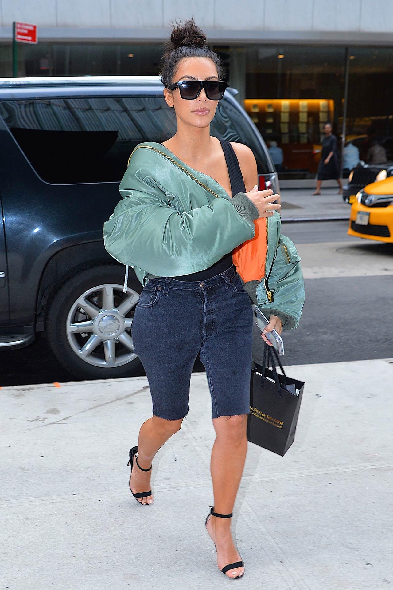 kim-kardashian-custom-levis-denim-shorts