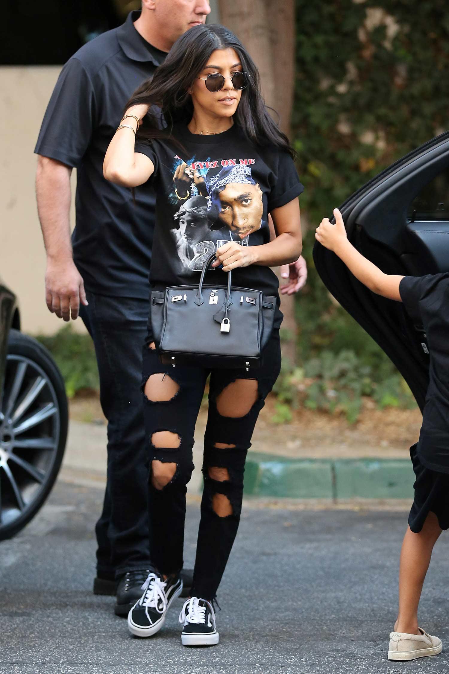 kourtney-kardashian-good-american-black-jeans-again