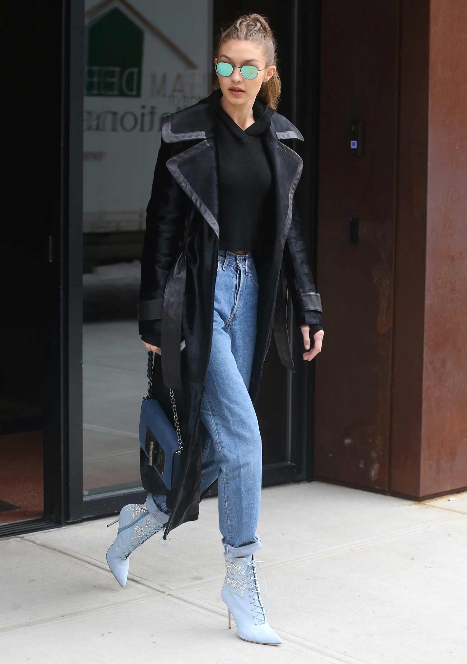 gigi-hadid-vintage-levis-jeans