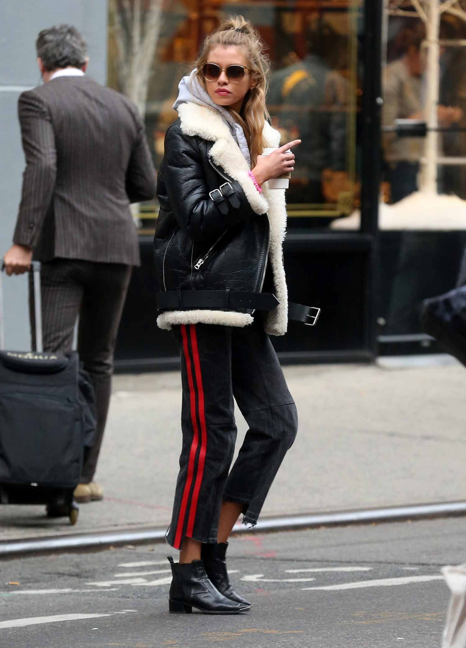 stella-maxwell-red-stripe-black-jeans