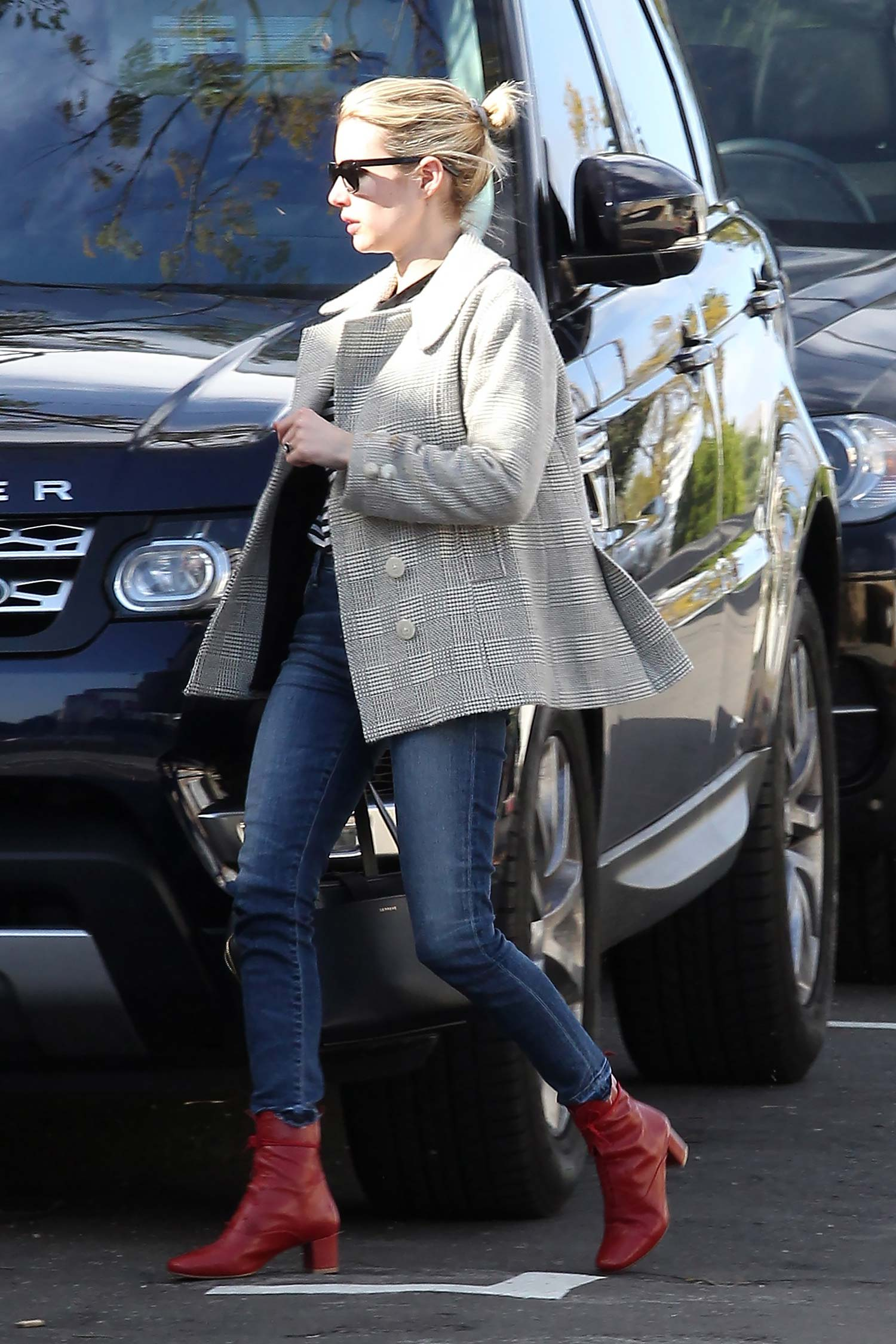 emma-roberts-citizens-of-humanity-rocket-jeans-2